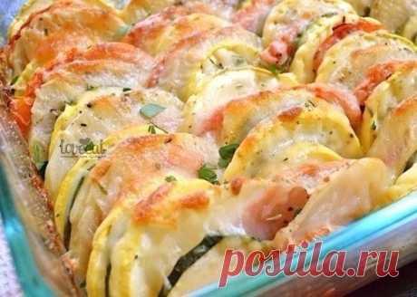 Разноцветные овощи, запеченные с сыром