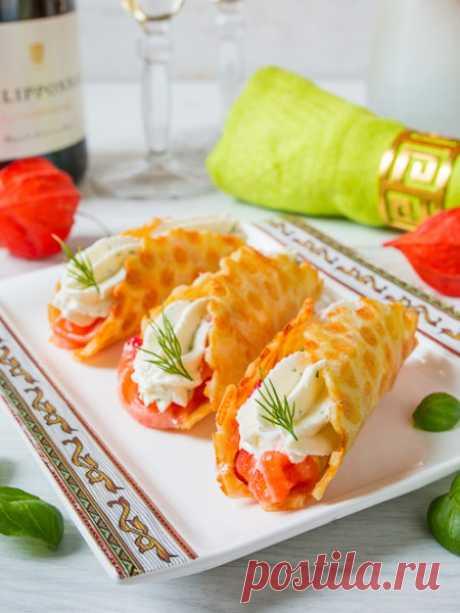 Рецепт сырных трубочек с лососем и сырным кремом на Вкусном Блоге