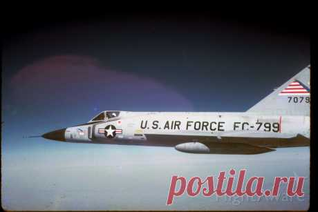 Фото F102 (57-0799) - FlightAware