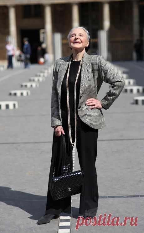 Одежда для женщин в 60 лет: как выбирать