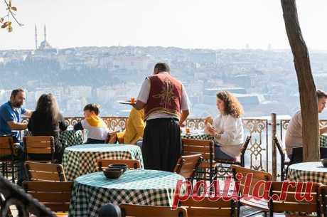 Берег обманный. Как наших туристов разводят в Турции на фоне COVID? Россияне и раньше жаловались на попытки турков нажиться на туристах. Но так бессовестно, как в этом году, путешественников в Турции еще не обманывали.