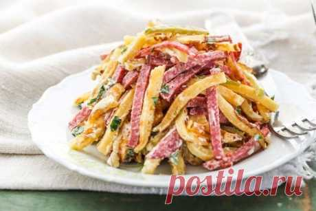 Салаты с копченой колбасой - 20 рецептов вкусно, просто и недорого