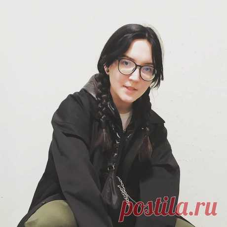 Photo by ЭТО Я — ПОЛЕЧКА on March 21, 2021. May be an image of 1 person and eyeglasses.