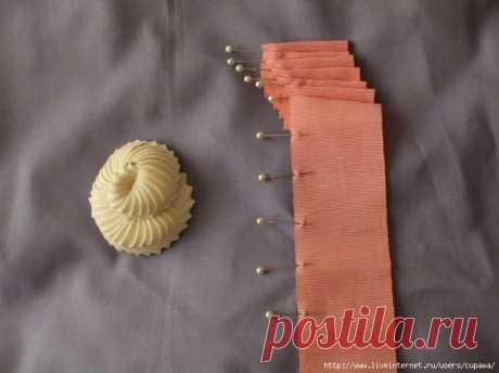 Красивая отделка из шелковой ленты