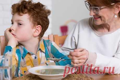 Многие дети не хотят есть суп, а всё потому, что мамы/ бабушки готовят его неправильно. Секреты шефов и жуткие ошибки неумелых хозяек.