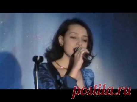 Homme Au Sourire Tendre. Music by Vladimir Sidorov. Lyrics by Paul Eluard. Sings Kristina Vikhrova. In French. 2004.