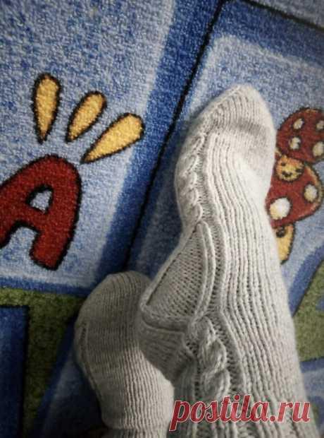 """Нетипичные, но симпатичные носки по """"деревенскому рецепту"""""""