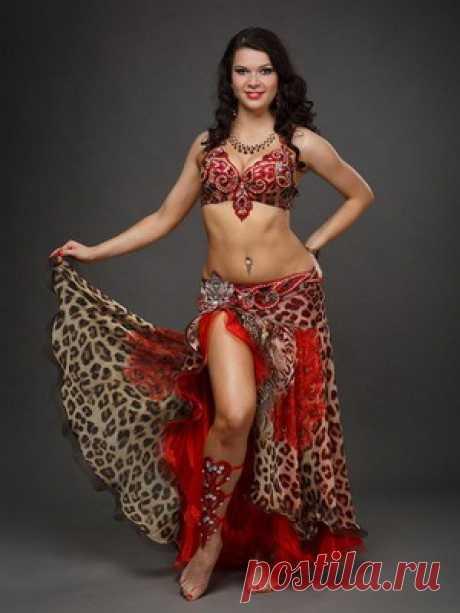 Самые красивые костюмы для восточных танцев, фото нарядов для танца живота