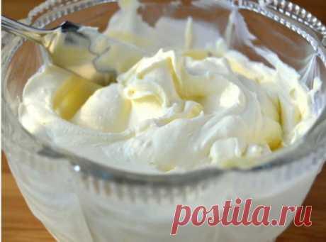 5 рецептов творожных кремов Крем из творожного сыра для торт Ингредиенты: творожный сыр - 400 г; желтки - 2 шт.; сахарна