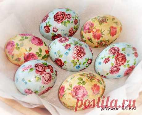 класная идея! Декупаж вареных яиц на крахмале...от Марины.