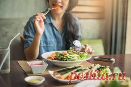 Забудь про отруби. Здоровые и вредные привычки для пищеварения Рассказываем о привычках, которые могут сильно навредить пищеварению.