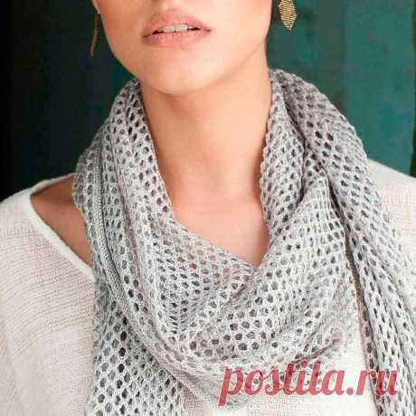 Снуд спицами для женщин: схемы вязания, новинки, узоры, размеры. Как связать красивый шарф снуд хомут, капюшон, трубу, с косами, ажурный спицами с описанием?. Как вязать женский шарф снуд хомут круговой шарф спицами, с жемчужным узором, с двусторонним узором, из секционной пряжи, круговой шарф, объемный, крупной вязки, из мохера, английской резинкой, летний. Связанный снуд спицами, станет отличным украшением осеннего или зимнего образа.