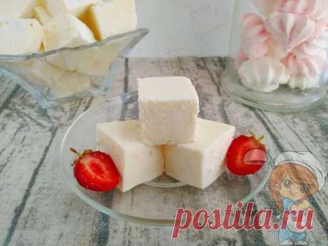 Творожный зефир в домашних условиях. Рецепт зефира из творога Лёгкий десерт подойдёт для всех худеющих, без сахара и жира. Творожный зефир с муссовой структурой можно даже на ужин. Можно добавить мед или кленовый сироп