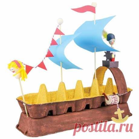 Кораблик из яичных лотков