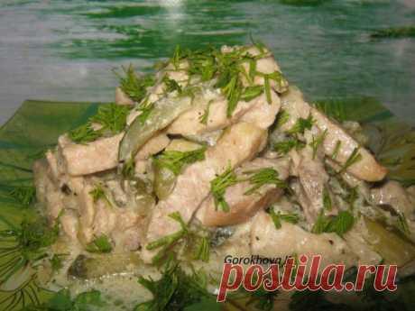 Мясо по-самарски — покорит сердце гурмана!     Быстро очень вкусно!          Ингредиенты: свинина -600 граммогурец солёный — 2-3 штуки средниелук — 2 штукисметана — 4 ст.л.соль по вкусуперец молотый по вкусу Приготовление: Нарезаем свинину сол…