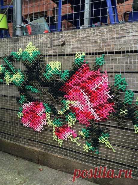 Вышивка крестиком на стенах от Ракель Родриго / Городская среда (граффити, снеговики, ets) / ВТОРАЯ УЛИЦА