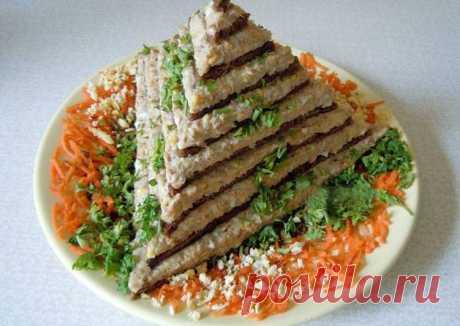 """Торт закусочный """"Пирамида""""."""