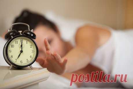 Эти 5 советов перед сном могут помочь вам похудеть - Упражнения и похудение Вы будете удивлены результатами! Если вы постоянно боретесь с лишним весом, вы будете удивлены, узнав, что определенные привычки перед сном играют важную роль в процессе похудения. Вот некоторые привычки, которые могут помочь вам избавиться от лишних килограмм: Прекратите эмоциональное питание: Вы должны прекратить есть из скуки, стресса или усталости в конце дня, так как эмоциональный …