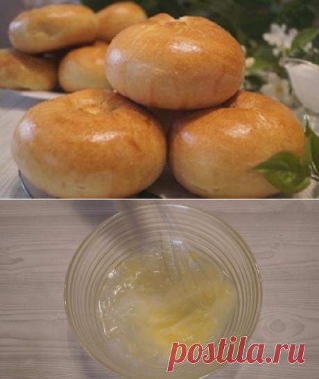 Los pastelillos foliado sin levadura con las patatas (Knysh). ¡Muy simplemente y es sabroso!