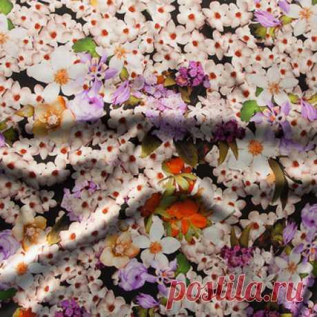 """Шелк-стретч """"Флоксы"""" (черный,сиреневый,оранжевый) - купить ткань онлайн через интернет-магазин ВСЕ ТКАНИ"""
