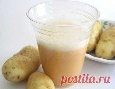 Лечим поджелудочную железу картофельным соком  Картофель при лечении панкреатита используется довольно часто. Этот овощ обладает диетическими, а главное, заживляющими, противовоспалительными действиями. Также картошка отлично снимает спазм. Готовить его можно путем отваривания или запекания, конечно, без добавления специй.  Но гораздо полезнее картофельный сок, который обволакивает слизистую, препятствуя чрезмерному образованию пищеварительных ферментов. Ведь они крайне не...