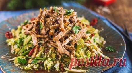 Восхитительные мясные салаты— 6 лучших рецептов Пошаговые рецепты приготовления мясных салатов с различными ингредиентами. А так же советы для изготовления вкусных блюд