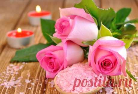 Обои на рабочий стол Цветы:Розы, Лепестки, Бутоны, Соль, Свечи, Розовые - скачать бесплатно.   Обои-на-стол.com