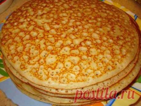 СОХРАНИТЕ РЕЦЕПТ!!! Всякие уже готовила, но эти БЛИНЫ просто совершенство Заварные блины на кефире Хочу рассказать Вам любимый рецепт блинчиков на кефире - заварных! Для приготовления нам понадобятся: - 1 литр кефира (1%) - 2 куриных яйца - 3-4 стакана пшеничной муки (просеянной) - 1 чайная ложка соли - 1,5 чайных ожки сахара - 1 стакан крутого кипятка - сода на кончике н