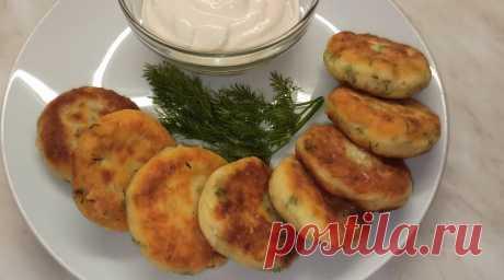 Быстрый и вкусный завтрак! Солёные сырники с зелень.