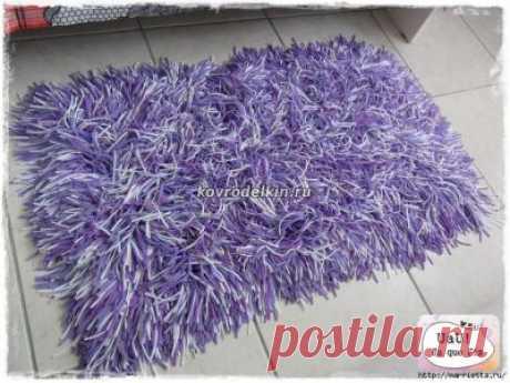 Видео: как сделать коврик-спагетти из футболок - 28 Марта 2012 | Ковровая вышивка и креативное рукоделие