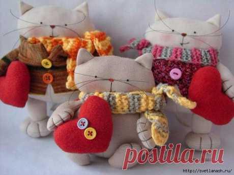 Текстильные котики с выкройкой.