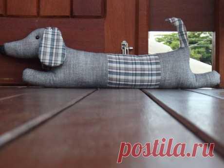 Креативные подушки от сквозняка.