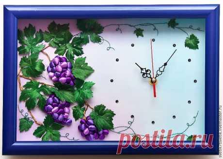 Мастер-класс смотреть онлайн: Оформляем часы с объемной вышивкой в багет под стекло   Журнал Ярмарки Мастеров Оформляем часы с объемной вышивкой в багет под стекло – бесплатный мастер-класс по теме: Вышивка лентами ✓Своими руками ✓Пошагово ✓С фото