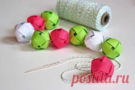 Гирлянда из бумажных шариков » Дизайн интерьеров