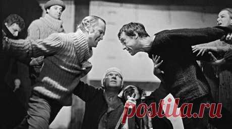 Театр на Таганке. Репетиция спектакля Гамлет. 18 июля 1980 года Владимир Высоцкий в последний раз вышел на сцену в одной из самых известных своих ролей – Гамлета.