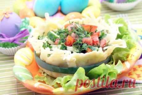 Овощной салат в сырной корзинке Овощной салат в сырной корзинке, это самый оригинальный вариант приготовить и подать вкусный овощной салат на праздничный стол.