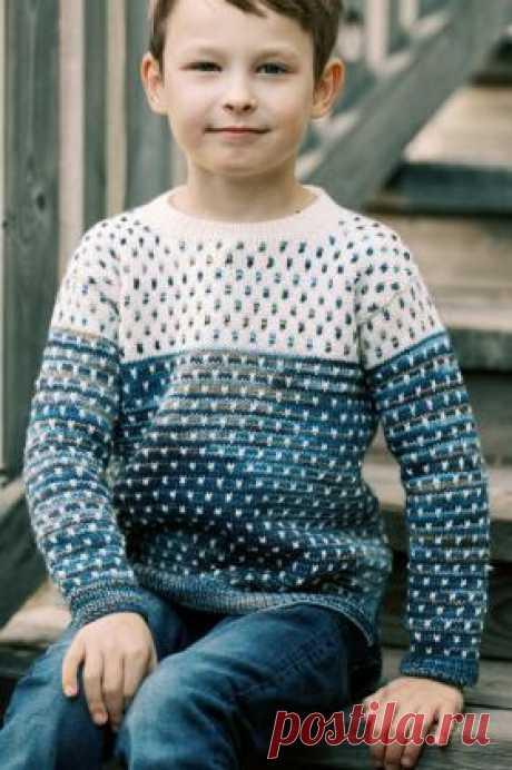 Детский свитер Гарри Детский пуловер с круглым вырезом горловины, связан из шерстяной пряжи спицами 3.5-4 мм. Все детали модели вяжутся раздельно простым жаккардовым...