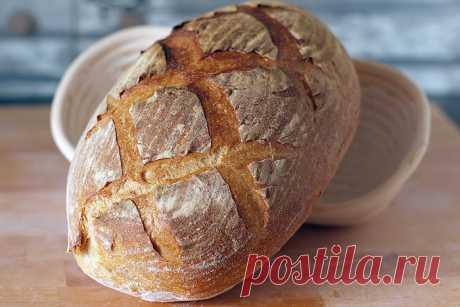 Крестьянский хлеб (на закваске). Этот хлеб - безошибочно пшеничный, с кремовым оттенком мякиша, толстой, хрустящей корочкой во французском стиле. Его аромат (!), вкус (!)... всё очень отчетливо ощущается всеми возможными рецепторами и всё на высшем уровне! Не смотря на название, намекающее на простоту вкуса, он очень изыскан и…