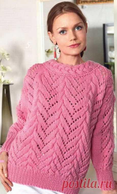 """Красивый ажурный свитер спицами   Ажурный свитер спицамиТрикотажные свитера можно вязать, не только теплыми, но и ажурными. Свитер связан из пряжи розового цвета двумя основными узорами, один из которых переходите в другой. Узор """"ко…"""