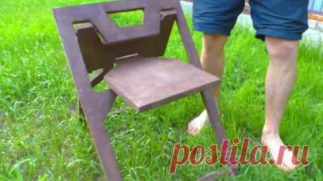 Необычный складной стул из двух кусков фанеры Из двух кусков фанеры толщиной 12 мм можно сделать своими руками необычный складной стул, который не только прочный и устойчивый, но еще и мобильный.Такой