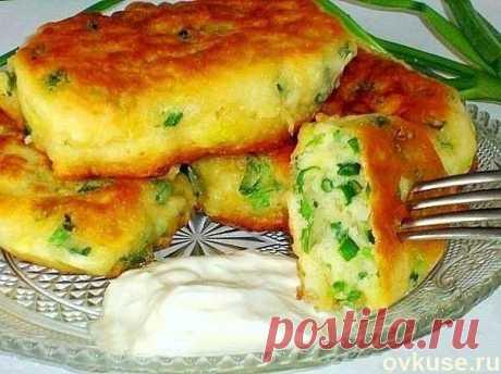 Самые ленивые пирожки-оладьи с яйцом и зелёным луком за 10 минут | Четыре вкуса