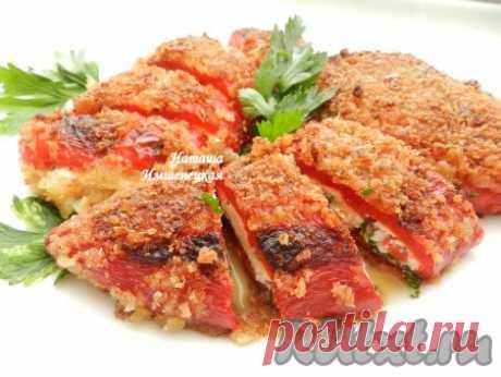 """Болгарский перец с сыром - 12 пошаговых фото в рецепте Болгарский перец с сыром, жареный в панировке - известное блюдо болгарской кухни под названием """"чушка бюрек"""". Сладкий болгарский перец очень хорошо сочетается с сырной начинкой, блюдо получается вкусным, сочным. В качестве начинки можно использовать адыгейский сыр, брынзу или творог. Блюдо можно ..."""