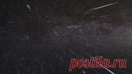 Сегодня ночью мы увидим пик активности метеорного потока Персеиды: на небе ожидается до 200 метеоров в час. В нашем материале –практические советы по наблюдению за «падающими звездами» и рассказ о том, что вообще такое эти Персеиды.