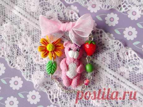 Подарок своими руками из полимерной глины: Брошь с розовым мишкой