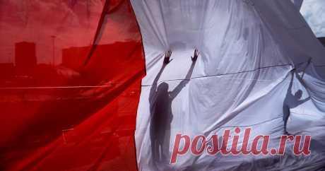 ВРоссии заявили опозоре Польши Польские политики позорят себя истрану постоянными заявлениями оякобы причитающихся Варшаве «компенсациях» затакназываемый ущерб состороны России вгоды Второй мировой войны, заявил сенатор отКрыма Сергей…