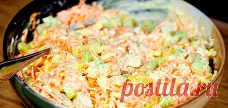 Морковный салат по-корейски с курицей и огурцами
