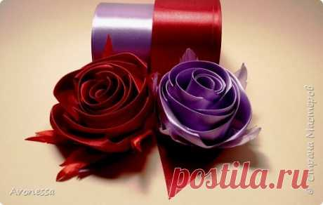 Роза декоративная из атласных лент.МК
