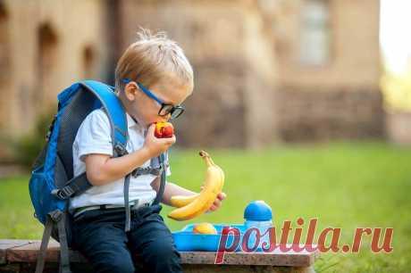 Правильный рацион школьника. Мнение педиатра Учебный год 2020 начался в обычном режиме. Пока дети учатся с соблюдением всех правил Роспотребнадзора, им важно обеспечить поддержку, как для физического, так и для умственного здоровья.