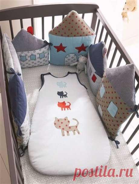 Домики для бортиков кроватки и конверт на прохладную погоду для малютки — Делаем руками