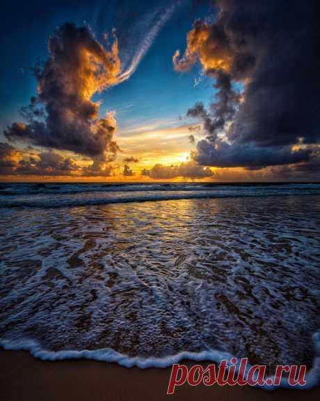 Pangeen Ocean skies byBen Mulder